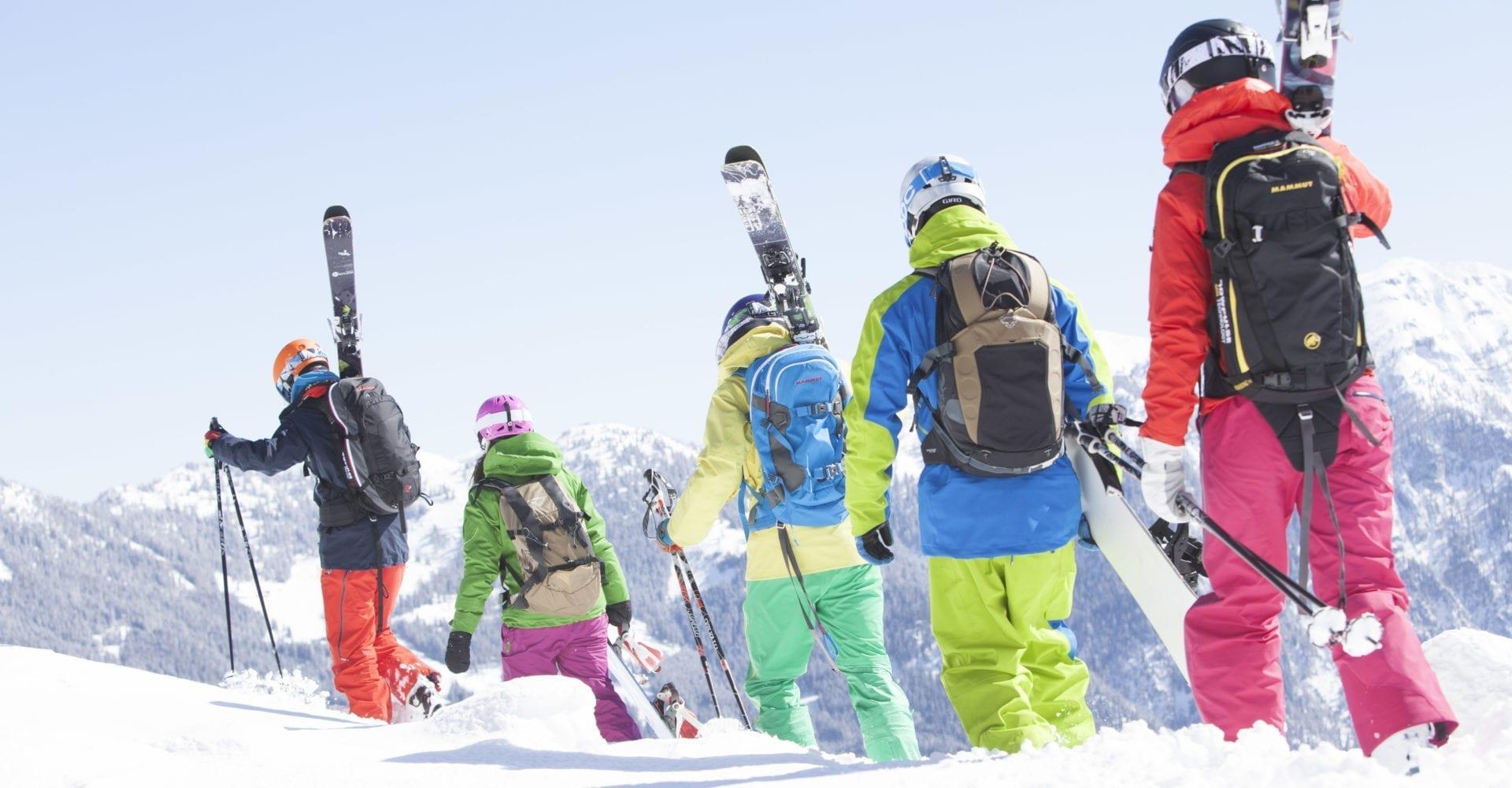 skifahrer-snowboarder-freeski